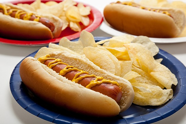 Jumbo Hot Dog gGglXEdKx CaUbiPvdH1NB1FeqaRyowOlwjvpHsa8w0 besides Lunchables Ham Swiss With Crackers as well Hot Dogs Without Added Nitrites Not Healthier Regular Hot Dogs 1653 also What Is Snot And Why Do Some together with Hot Dog Recipe By Oscar Mayer Without Added Nitrites. on oscar mayer dog sodium